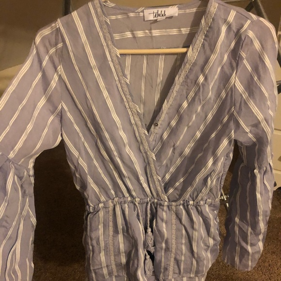 TALULAH Pants - Shorts romper with bell sleeves. Never worn.